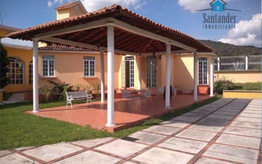 Casa grande en venta en San Jose Itzicuaro $5,950,000