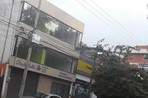 Edificio en renta Av. Camelinas $100,000.00