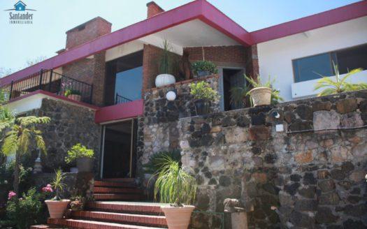 Casa con alberca en venta Col. Vista Bella $13,500,000.00