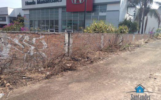Terreno comercial en renta sobre libramiento junto a FAME manantiales $250,000